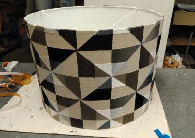 Lámpara de tela con diseño de aspas de Artesanía Antonio